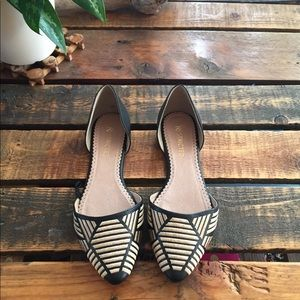 Cutest black and gold flats